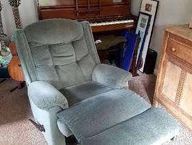 Freecycle 2 x parker knoll recliner chairs