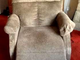 Freecycle Riser recliner chair